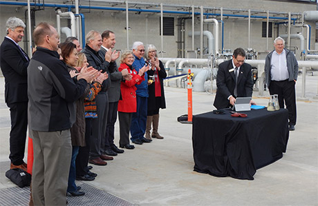 Mayor Severns using our state-of-the-art technology to send Clean Water Facility flows to Oak Harbor Bay